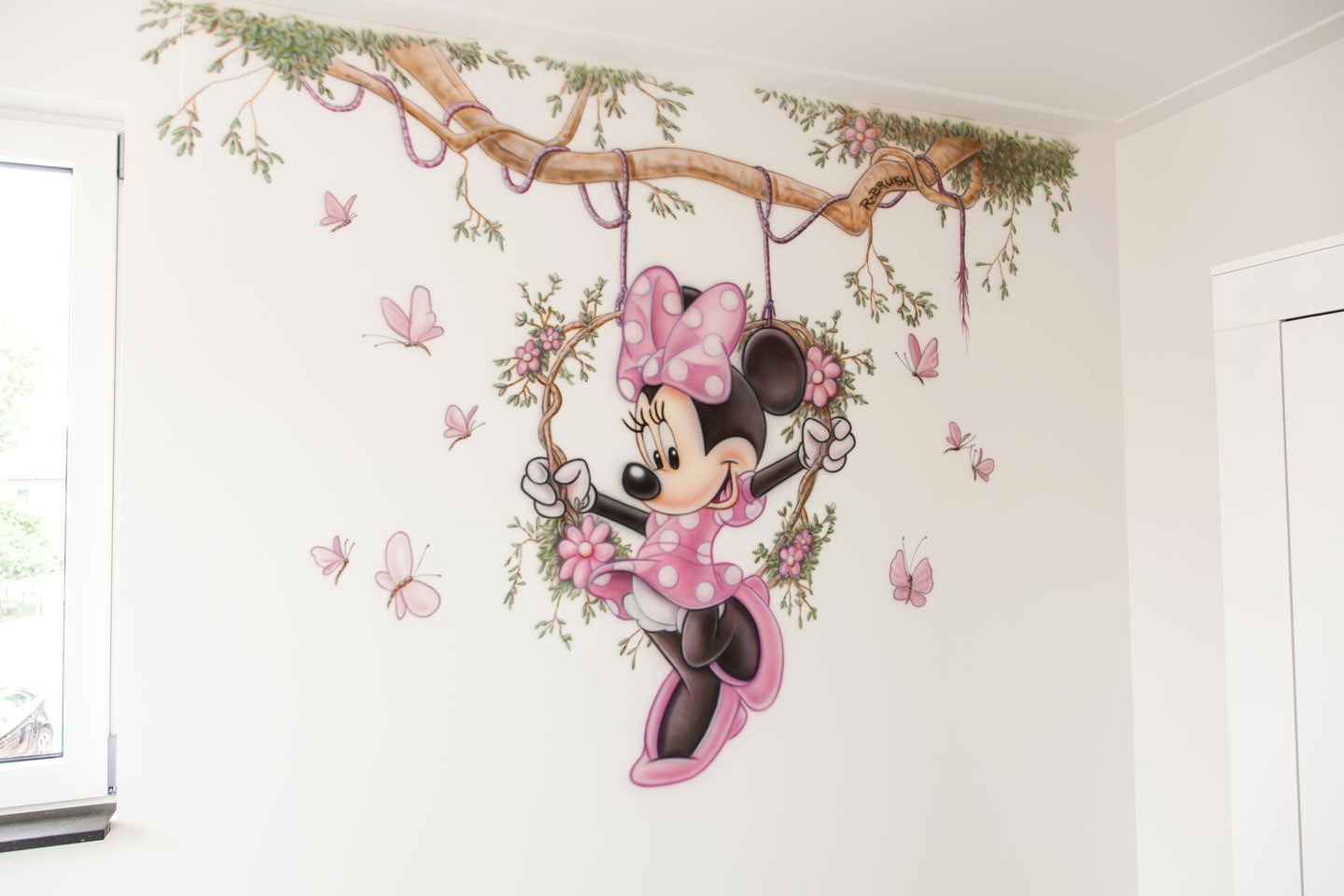airbrush Minnie Mouse schommel tak