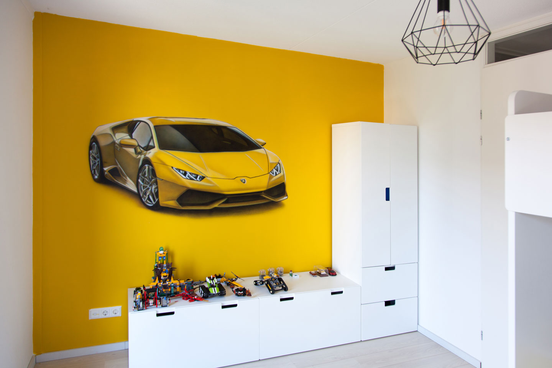 Gele Lamborghini muurschildering gemaakt met de airbrush